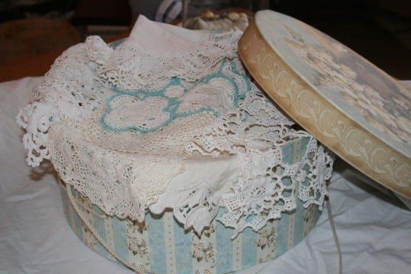 Hatbox-Vintage Linens