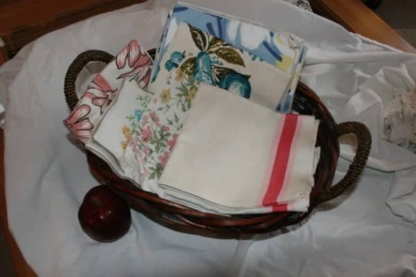 Kitchen Basket-Vintage Kitchen Linens
