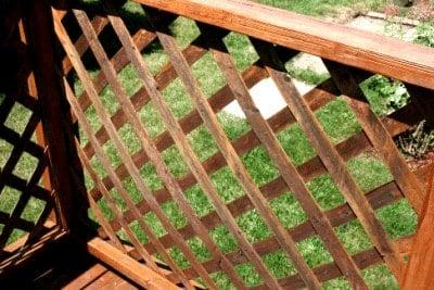 Staining lattice - Corner-after from cupcakesandcrinoline.com
