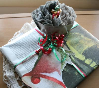 Newspaper-Package-Topper-w-Newspaper-gift-wrap