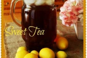 Easy Sweet Tea by Cupcakes and Crinoline