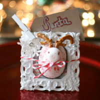 Cute and Edible Placecards and Ornaments with Peeps @Cupcakes and Crinoline