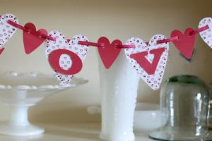 Love Banner made from scrapbook paper @ cupcakesandcrinoline.com