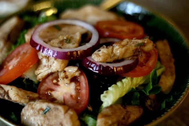 Balsamic Chicken Salad #MealsTogether @cupcakesandcrinoline