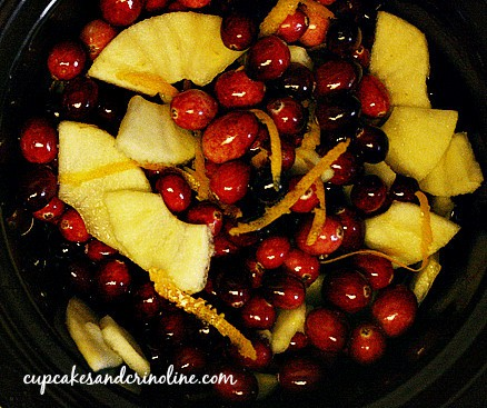 Crockpot Cranberry Sauce with apples and orange rind
