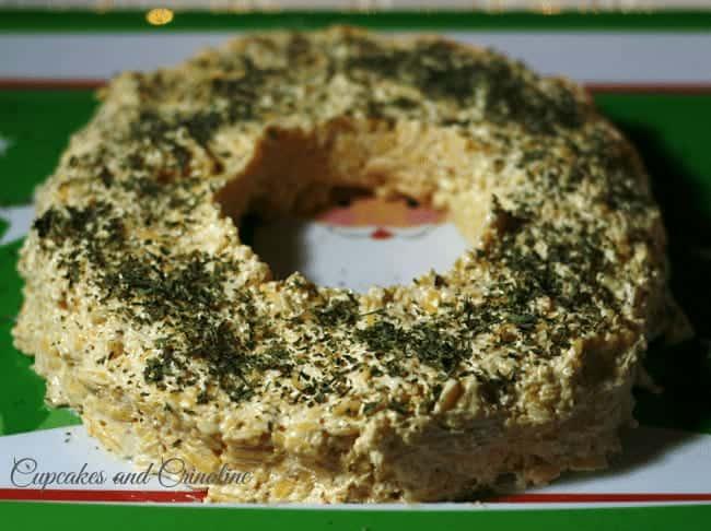 Holiday Cheese Ring made with Kraft Cheese and Mayo topped with parsley #KraftHolidaySavings