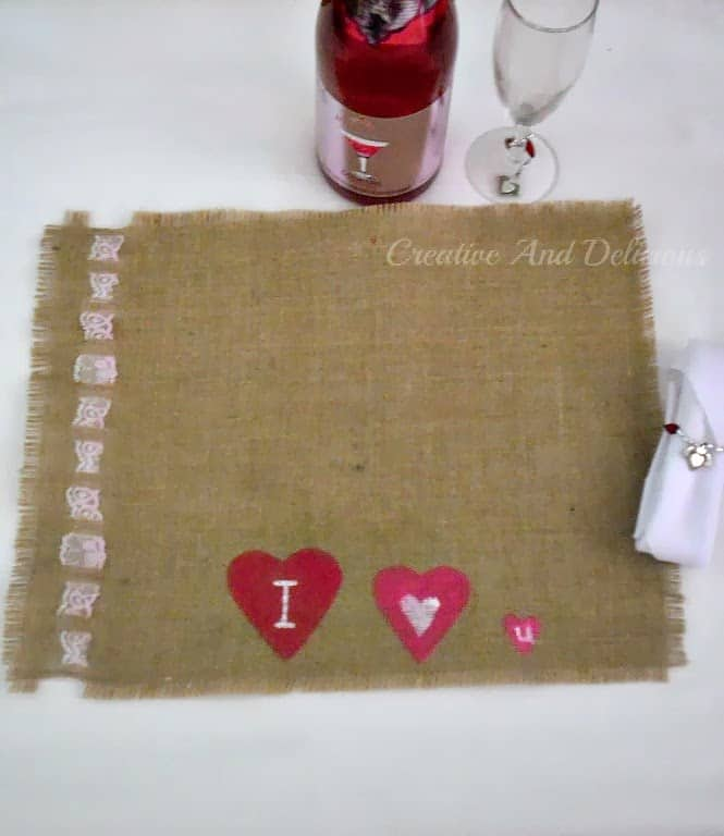 8 Painted Hearts Burlap Placemat6