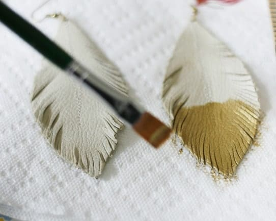 Feather Earrings_Leather 11