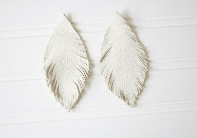 Feather Earrings_Leather 7