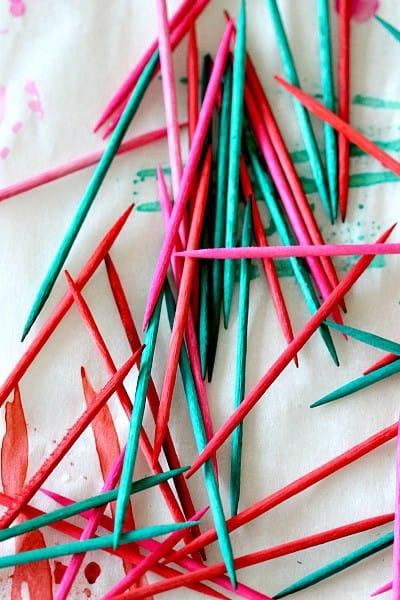 colored_toothpicks