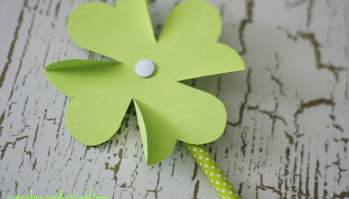 How-To Make a Shamrock Pinwheel