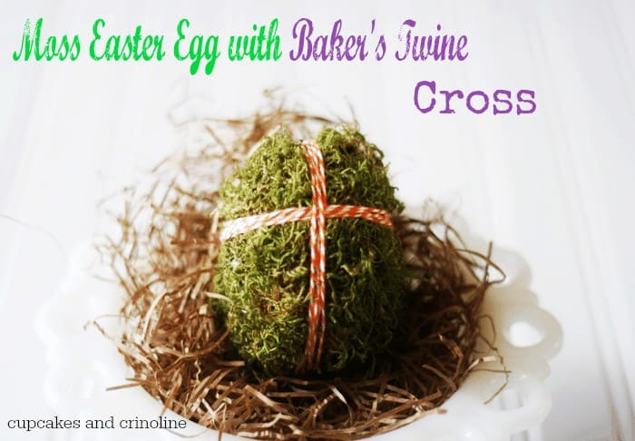 moss-Easter-egg-with-bakers-twine-cross #Easter #MossEgg #BakersTwine #CupcakesandCrinoline