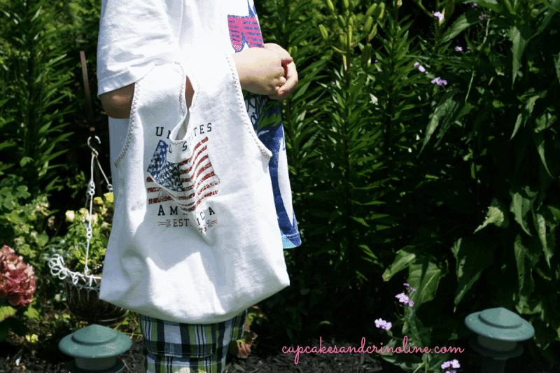 T-shirt-tote-bag-for-kids at cupcakesandcrinoline.com #t-shirt #totebag #repurpose #recycle