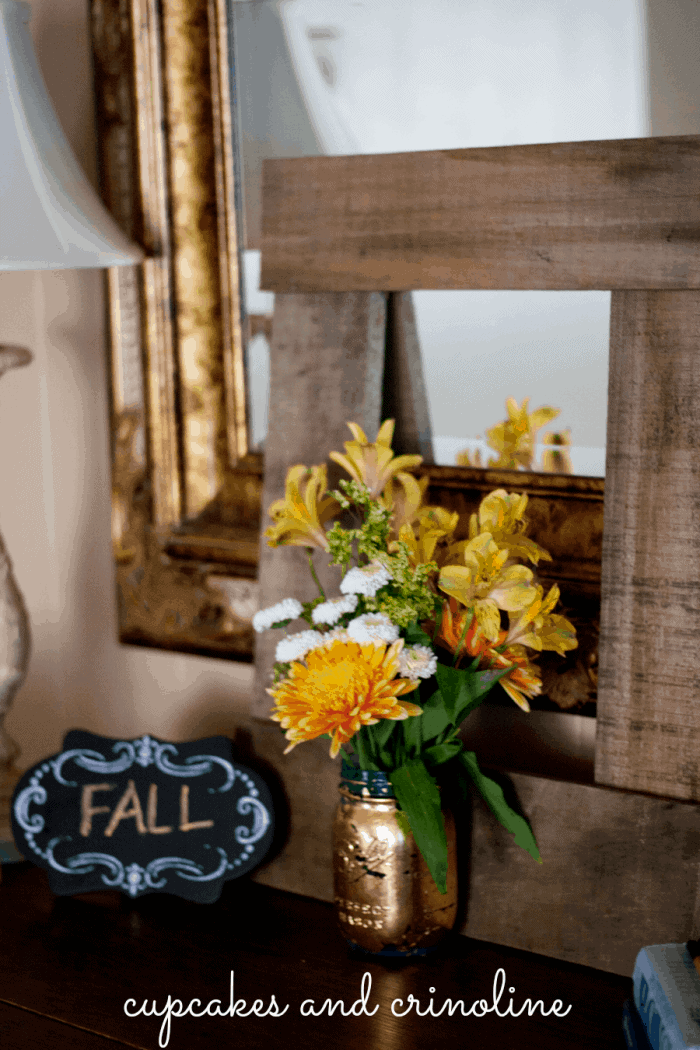 DIY Pallet Frame from Cupcakes and Crinoline 2