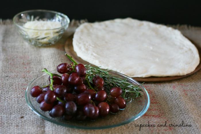 Fresh Rosemary and Grape Focaccia ~ cupcakesandcrinoline.com