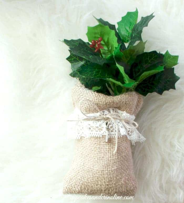 Burlap, Ivy and Lace Sack with Twine and Key