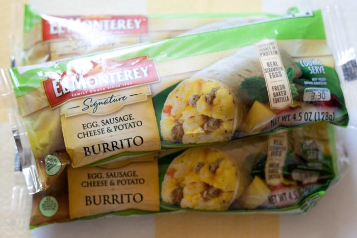 Quick and Easy Breakfast Burritos #sp #momwins #elmonterey