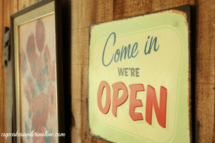 Come In We're Open ~ thrifted vintage porch decor
