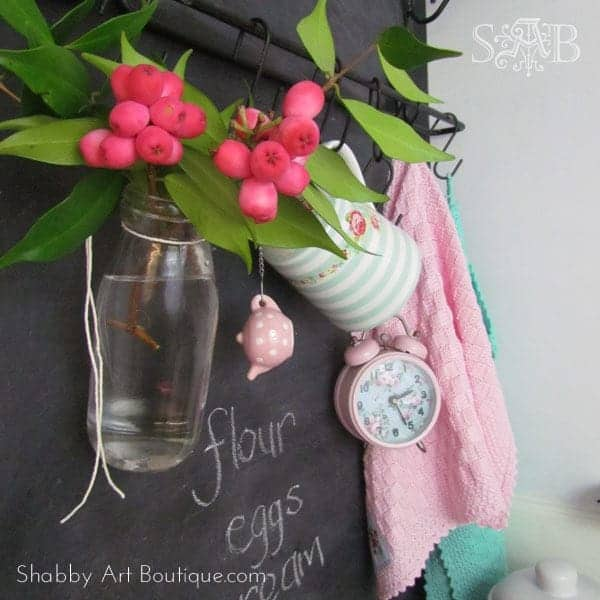 Shabby-Art-Boutique-Kitchen-Make-over-2_thumb