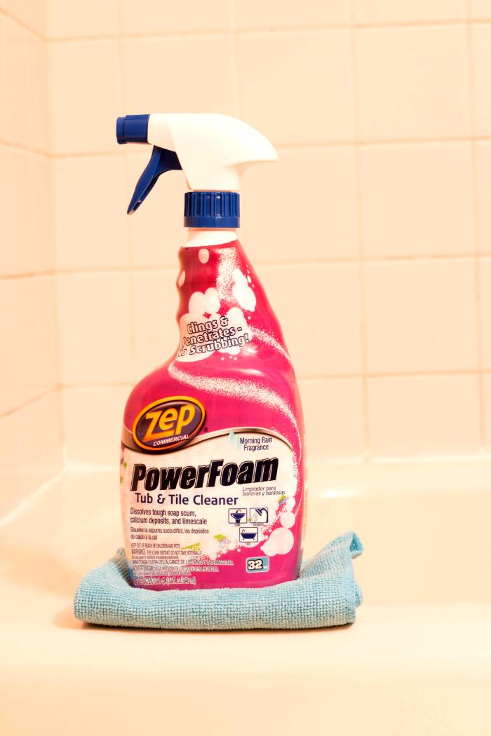 Zep PowerFoam Tub & Tile Cleaner cupcakesandcrinoline.com