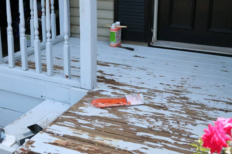 $50 Deck Makeover with Behr Deckover - the nasty before