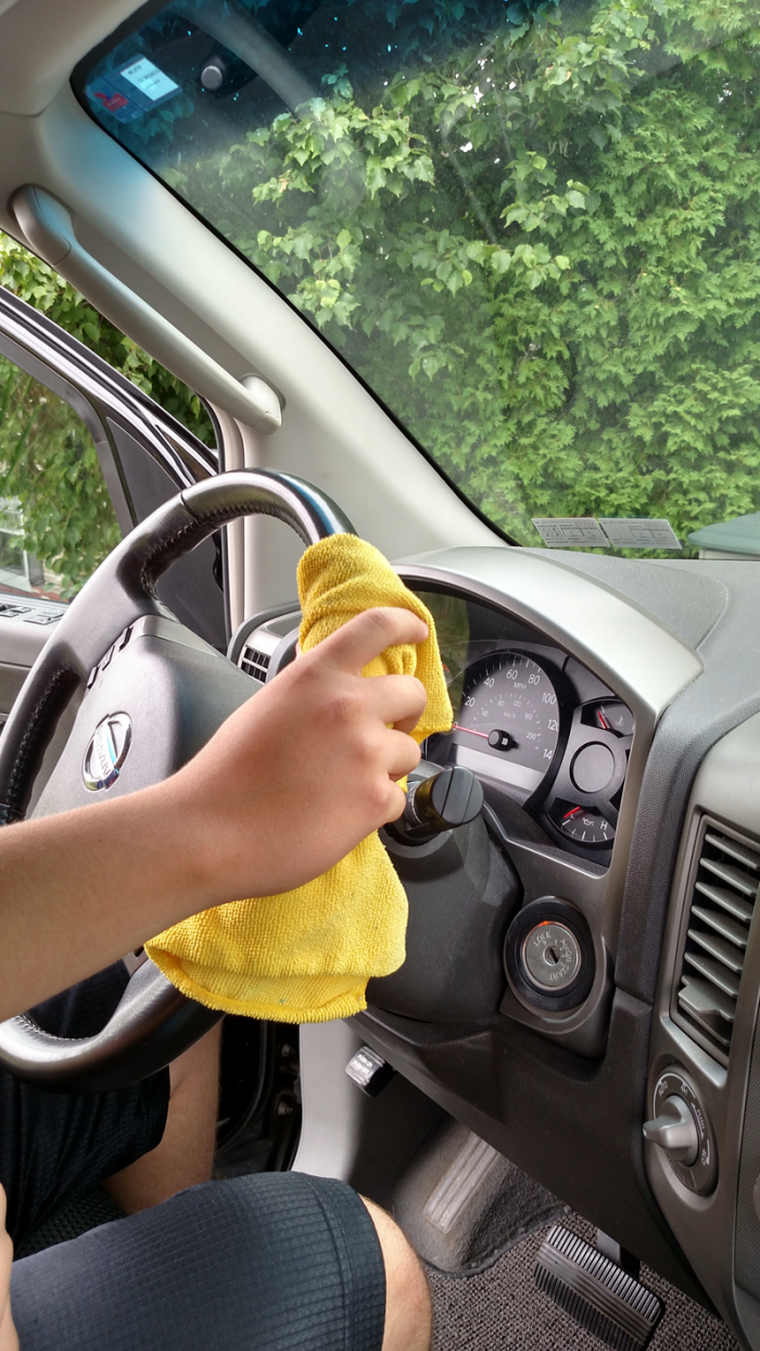 25 things you should be disinfecting but probasbly aren't - cleaning the steering wheel- get the complete list at cupcakesandcrinoline.com