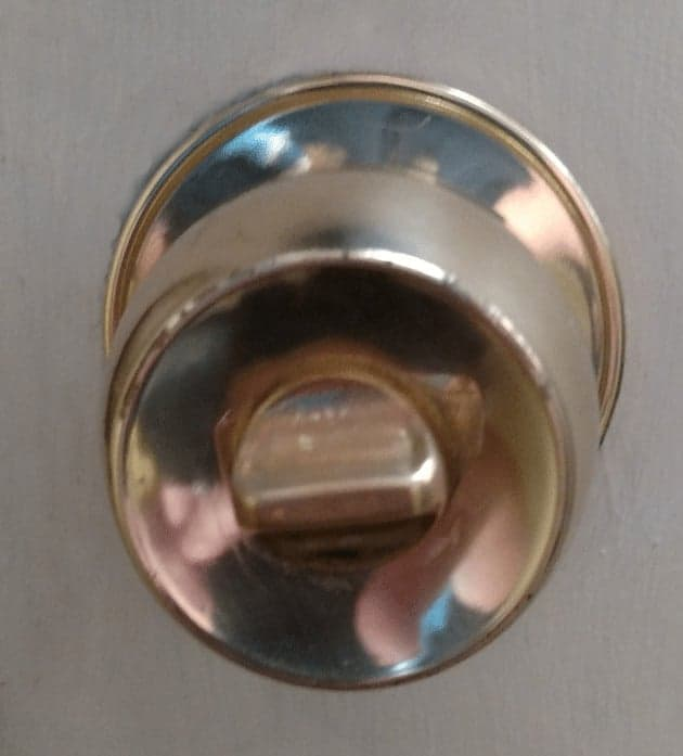 25 things you should be disinfecting but probasbly aren't - door knob - get the complete list at cupcakesandcrinoline.com