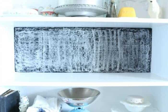 Properly seasoning chalkboard before using