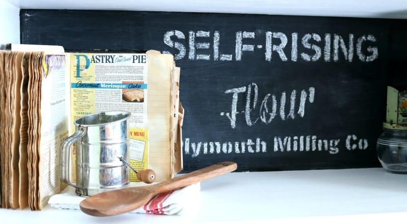 How to Stencil With Chalk – Get the Look Without the Commitment