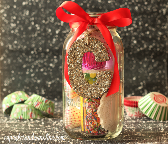 Mason Jar Gift Ideas for the cupcake lover from cupcakesandcrinoline.com