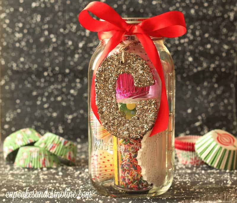 Mason Jar Gift Ideas for the cupcake lover from cupcakesandcrinoline.com
