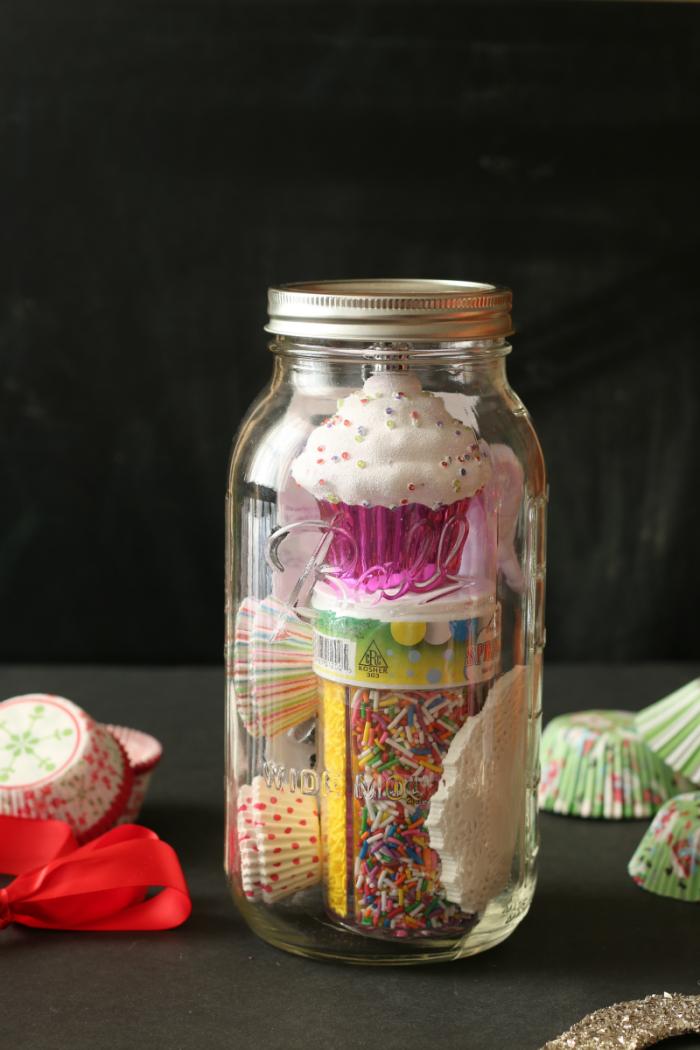 Mason Jar gift ideas for cupcake lovers