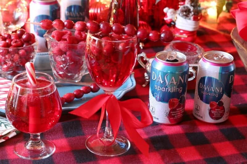 Sparkling Water Holiday Drinks Bar from cupcakesandcrinoline.com #SparklingHolidays