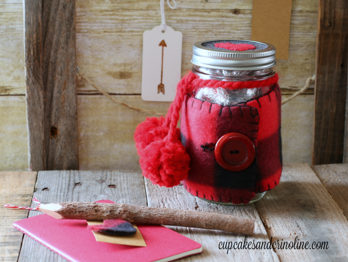 Buffalo Check Mason Jar Cozy - plaid and flannel Valentine's Day Mason Jar - perfect for the men in your life at cupcakesandcrinoline.com