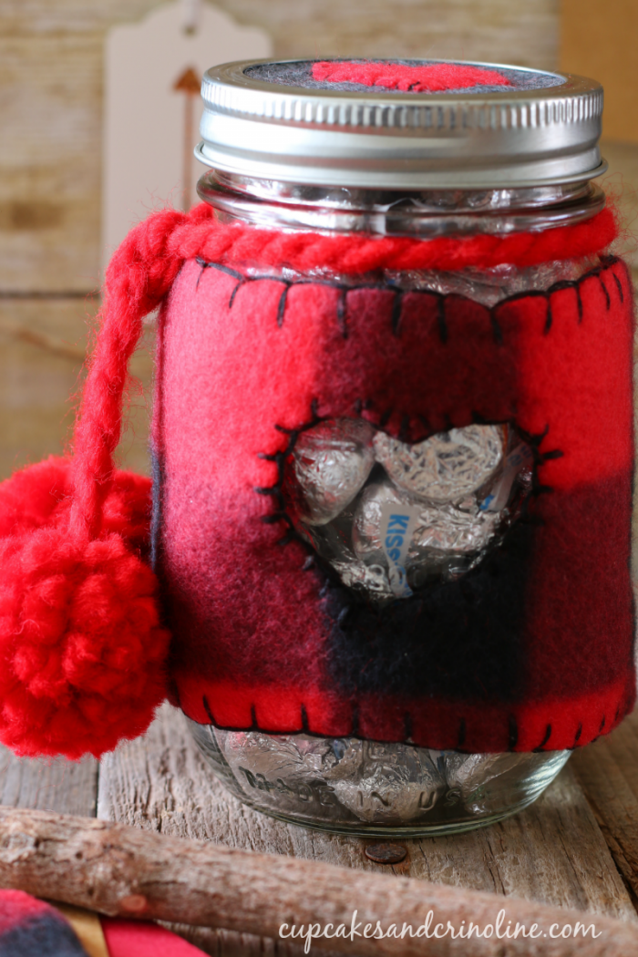 Valentine's Day mason jar cozy in buffalo check - cupcakesandcrinoline.com