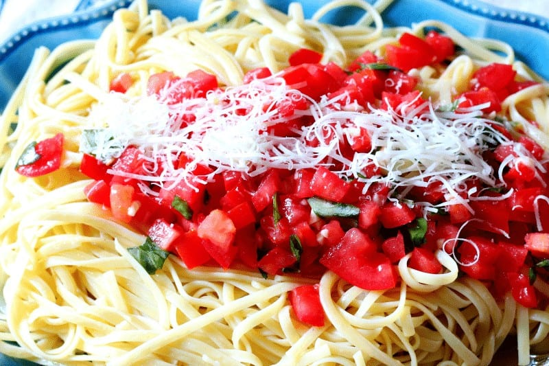 This recipe is delicious and takes only 15 minutes to make from start to finish. Use fresh ingredients picked from your garden for the best results. Fresh Tomato and Basil Linguine from cupcakesandcrinoline.com Visit my page for over 25 more delicious Pasta Recipes.