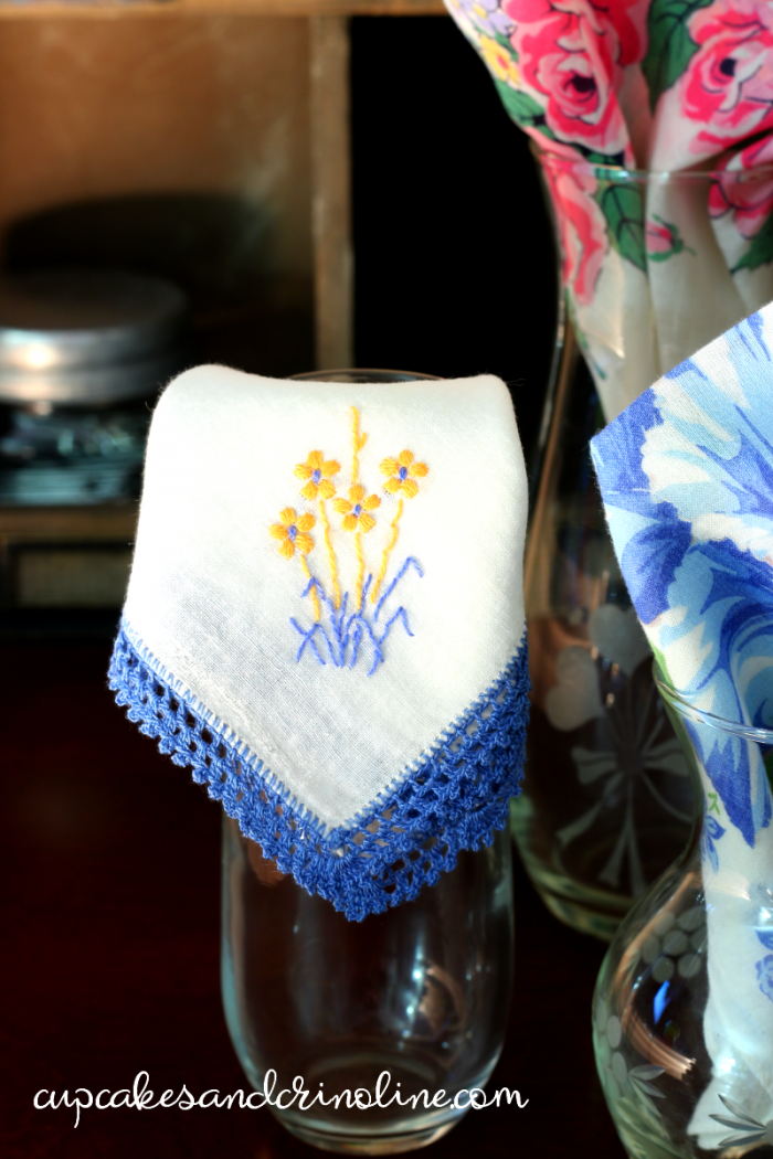 Vintage handkerchief with cornflower blue tatting and embroidered yellow flowers - vintage handkerchief at cupcakesandcrinoline.com
