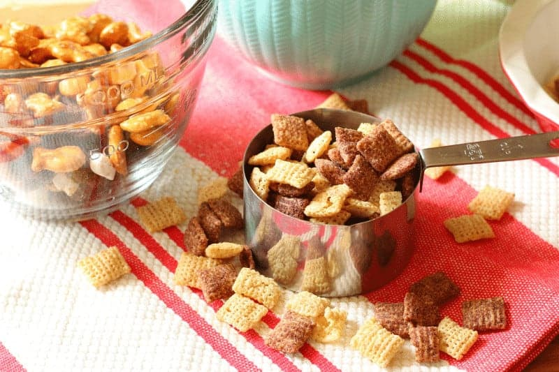 1 cup Chex Mix Chocolate Mix