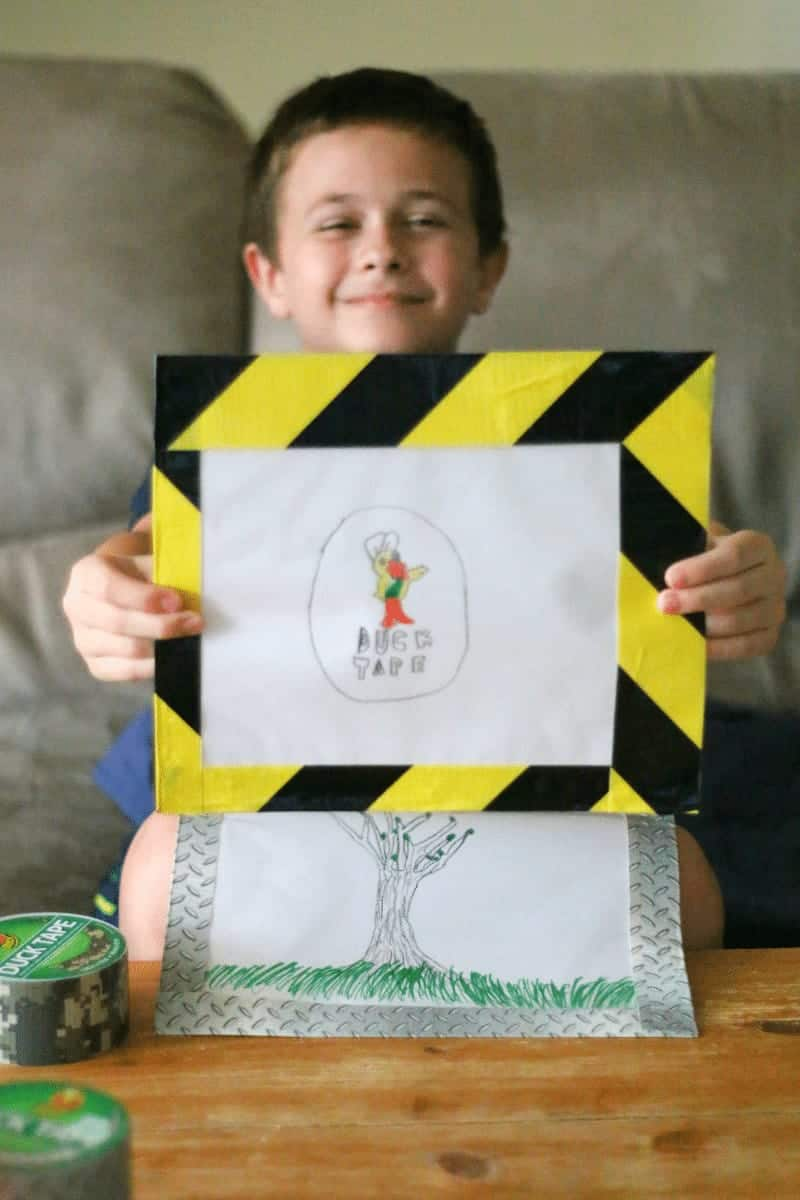 Crafting with kids - Duck Tape Interchangeable Art Gallery at cupcakesandcrinoline.com