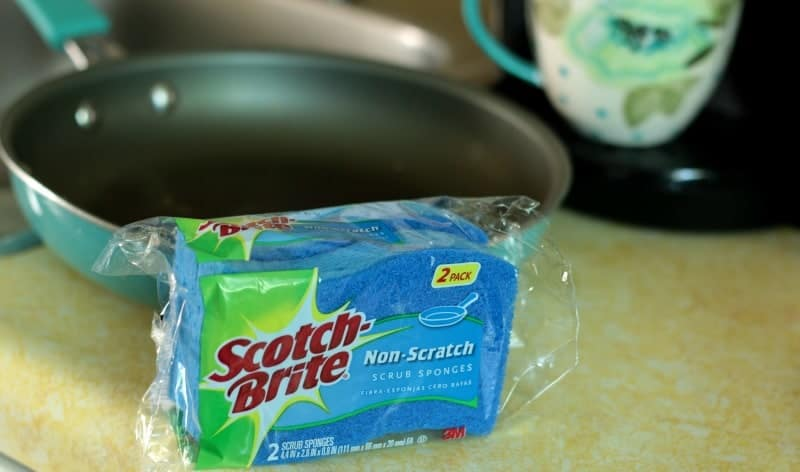 Scotch-Brite Non-Scratch Sponge with Non-Stick Cookware
