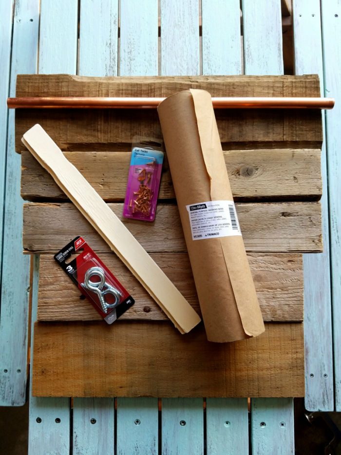Supplies for pallet wood memo board with a farmhouse style DIY pallet wood memo board. Get the full tutorial at www.cupcakesandcrinoline.com