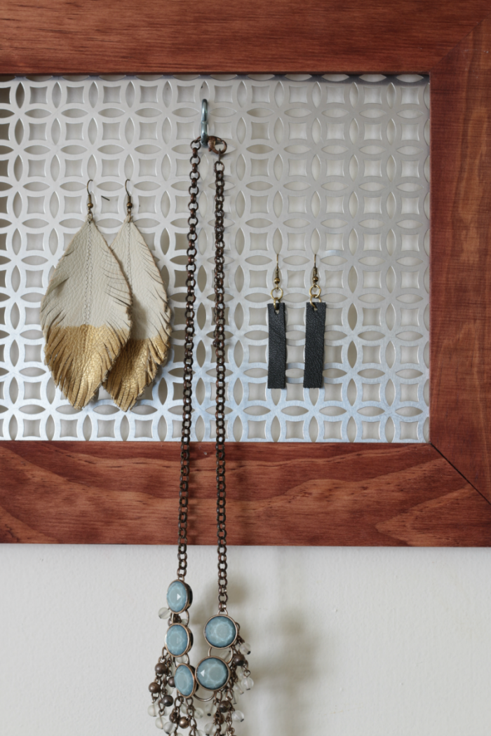 DIY Hanging Jewelry Organizer The HowTo Home