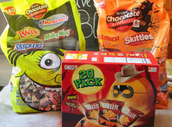 mars-snacks-all-ready-for-boo-kit-www-cupcakesandcrinoline-com