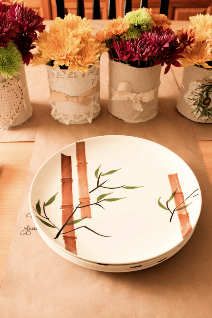 Beautiful thanksgiving table decor on a small budget the for How to decorate a thanksgiving table on a budget
