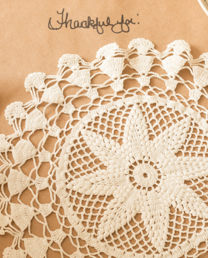 doily-charger-one