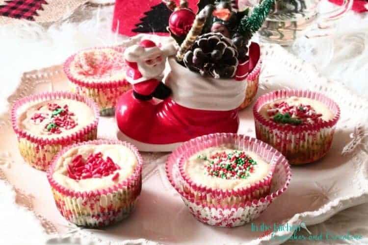 Red Velvet Oreo Cheesecake Bites made with Greek Yogurt