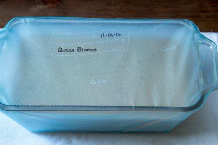 Slow cooker queso blanco - make ahead and freezable - get the recipe at www.cupcakesandcrinoline.com