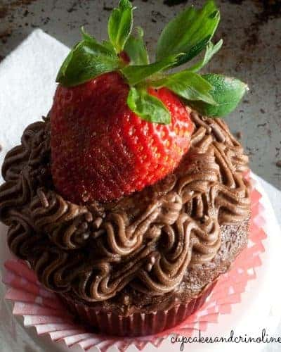 Chocolate Covered Strawberry Cupcakes with Chocolate Buttercream Frosting