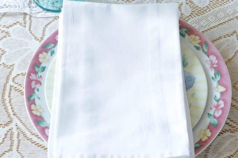 Sweet and Simple - Easter Tablesetting White Cotton Napkins