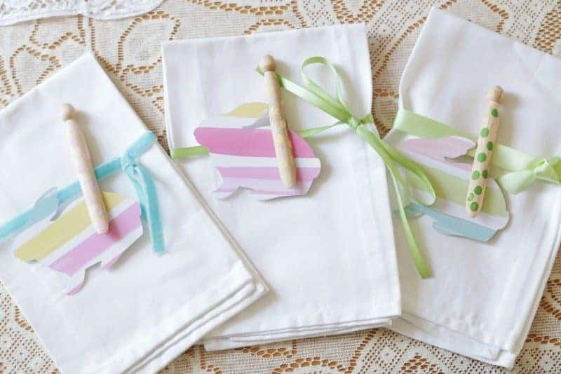 Sweet and Simple Easter Tablesetting - cloth napkins, polka dot clothespins, ribbon and bunnies